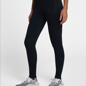 Nike Pro Hyper Warm Stirrup Leggings